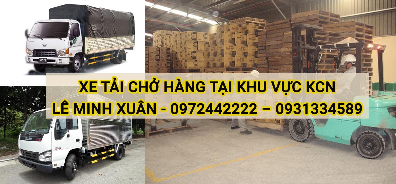 Xe tải chở hàng tại khu vực KCN Lê Minh Xuân huyện Bình Chánh